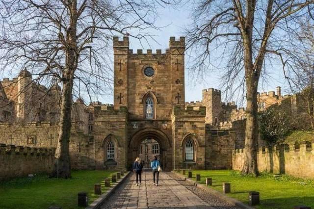 Dean's Scholarships At Durham University Business School - UK, 2019
