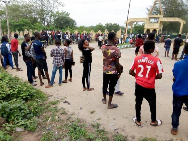 Ex-students' Protest Shuts Down Activities in Ibarapa Poly