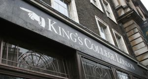 Dr Donald Dean Medical Bursary At King's College London - UK