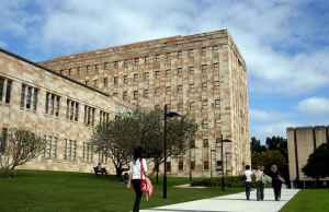 Fulbright Anne Wexler Scholarships At University Of Queensland - Australia