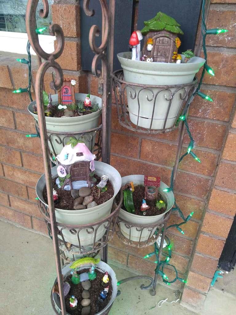 Gnome Garden: Adorable Six-tier Miniature Gnome Garden In Three Steps