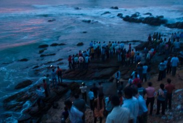 Crowd to watch Kanyakumari sunrise