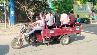 Cambodian people gang for Khmer new year