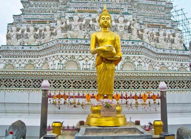 Buddha statue in wat arun 1_1