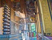 Wat pho reclining buddha feet_1