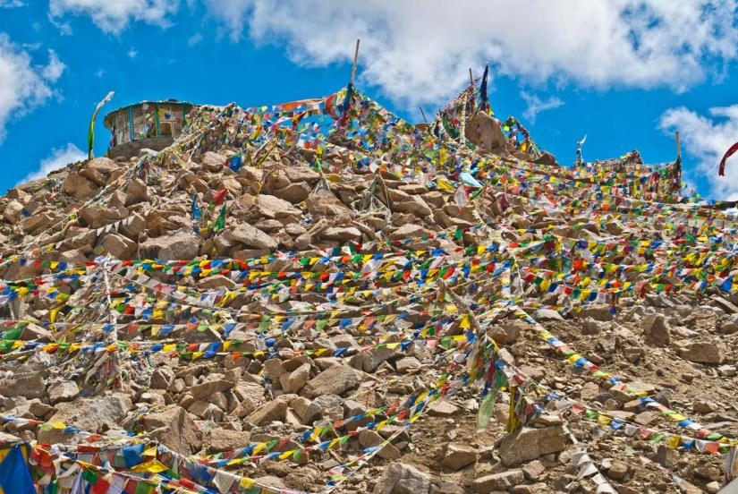 Prayer flags at Khardungla pass