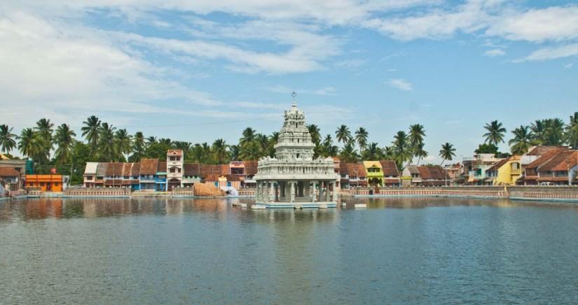 Suchindrum temple pond Kanyakumari