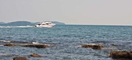 Serendipity beach speed boat Cambodia