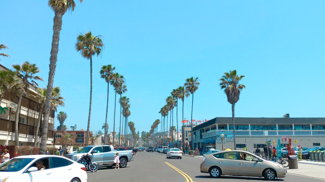 Newport Ave, Ocean Beach, California. Looks like the perfect stop on a summer vacation!