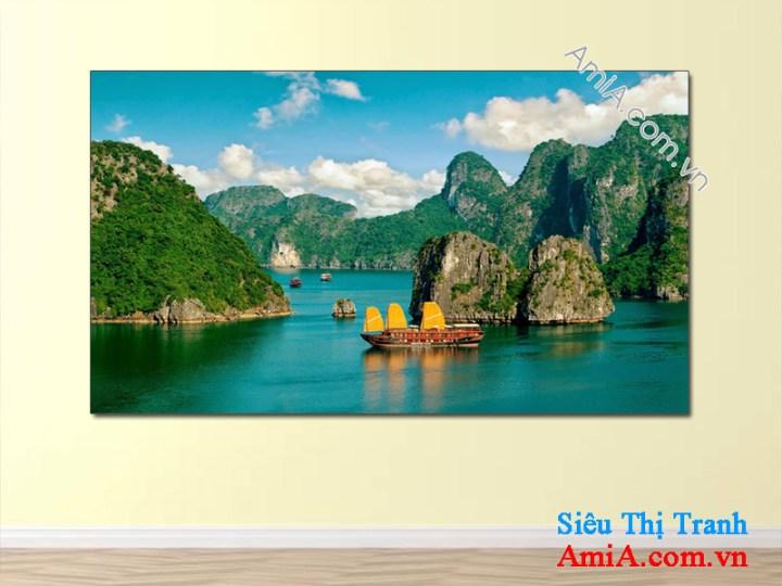 Tranh phòng khách đẹp phong cảnh Vịnh Hạ Long - Việt Nam.