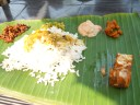 Repas spécial diététique et Ayurvédique servit sur feuille de banane, © ChPL / dec 2013