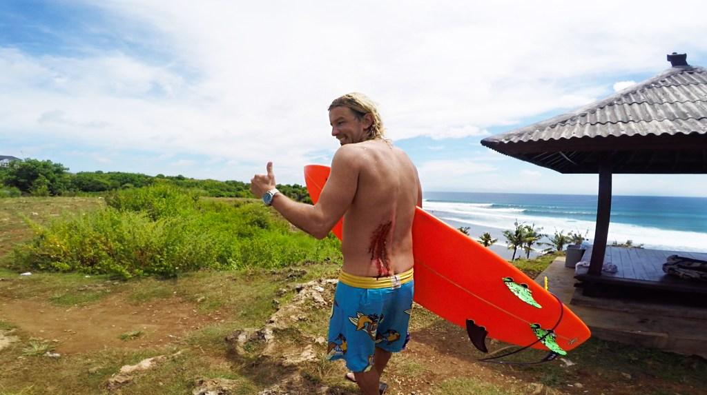 Кусачий серфинг на Бали. Раскачало!
