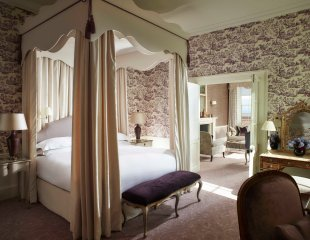 cliveden-rooms-shrewsbury-deluxe-suite-1