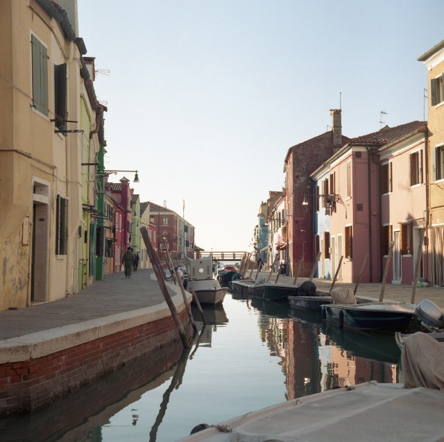 yashica 635 tlr kodak portra 400 murano italy street canal river houses boats 120 medium format film