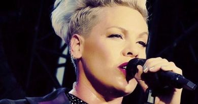 Singer Pink tests positive for COVID-19