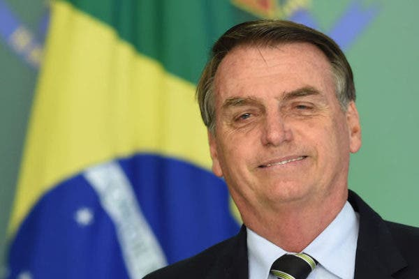 Brazilian president again tests positive