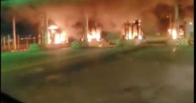 Lekki-Ikoyi Link Bridge Toll Gate On Fire (Video)