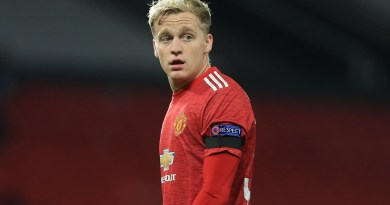 Manchester United star Donny van de Beek could receive transfer lifeline as swap deal bid considered