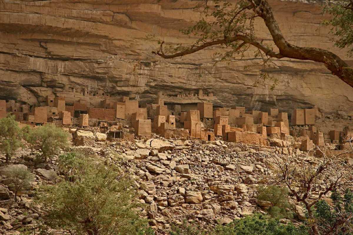 Η αφρικανική φυλή και ο απίστευτος εξωγήινος πολιτισμός του Σείριου που μας επισκέφτηκε τα τελευταία 8