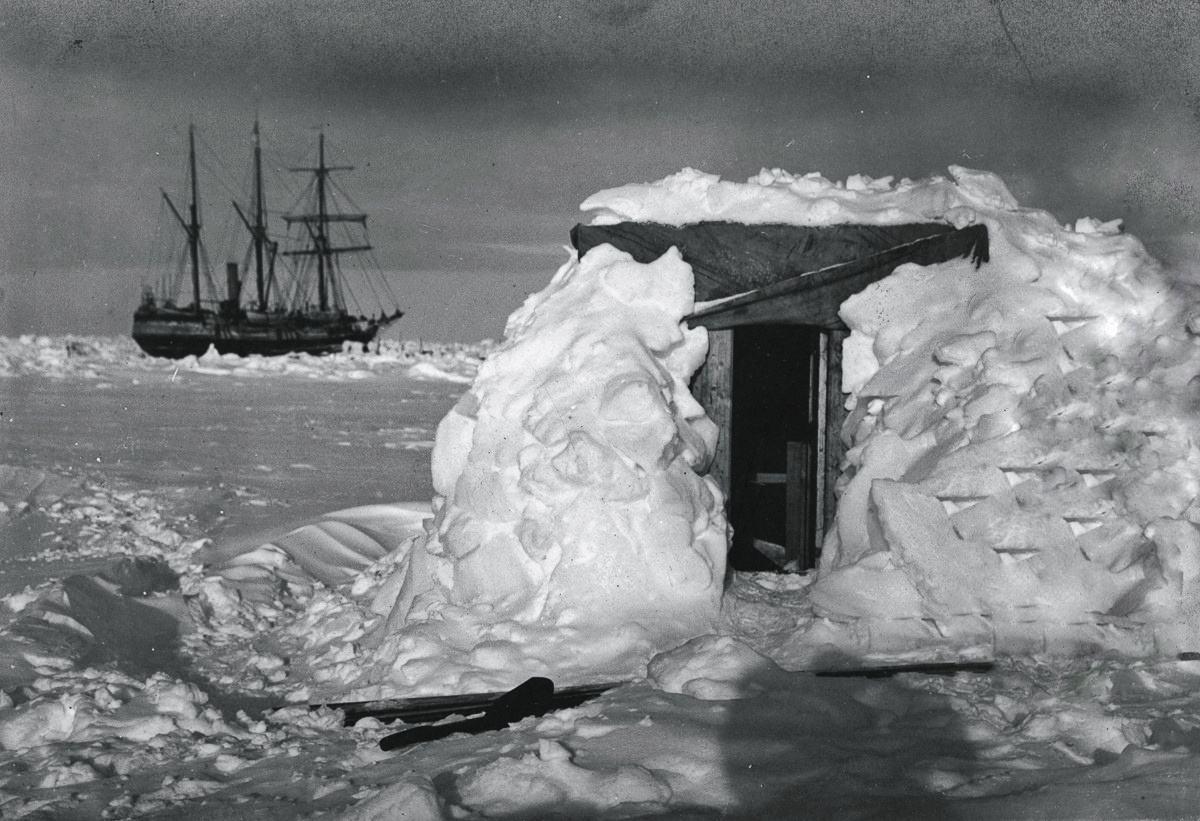 10 meest mysterieuze ontdekkingen gedaan in het eeuwige ijs van de Arctische en Antarctische wateren