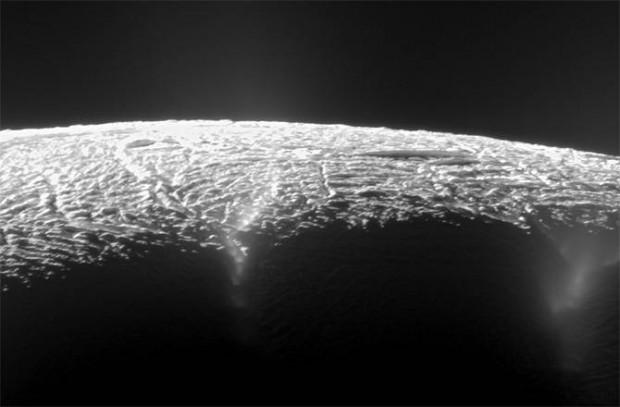 encelado-geiser
