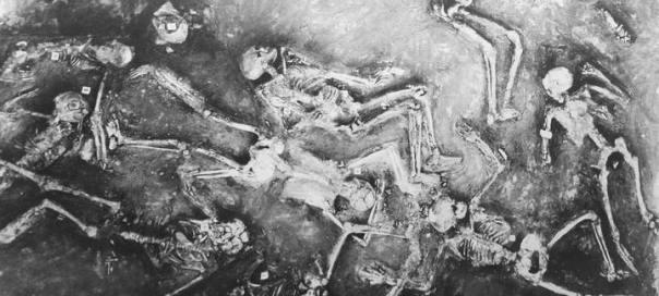 Algunos de los restos humanos en Mohenjo-Daro. Científicos soviéticos encontraron al menos un esqueleto con un nivel de radiactividad 50 veces mayor al normal.