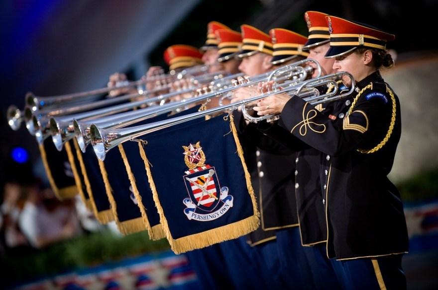 trumpeters-921709_960_720