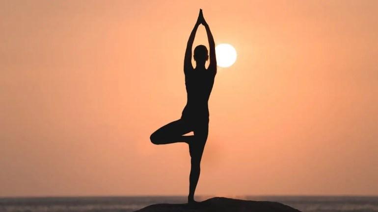 Vrikshasana Yoga Images/ Vrikshasana Benefits