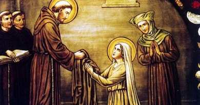 Dazzlingly beautiful woman with lavish lifestyle gives everything up to follow Jesus – Sins are revealed to her by Jesus – Spends eight days in confession – The Remarkable life of St. Margaret of Cortona