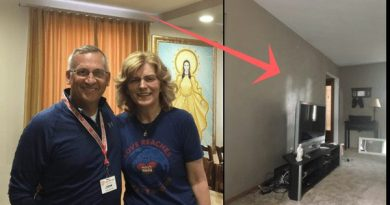 While Praying Rosary Medjugorje Pilgrim is Witness to Mysterious Image in His Living Room.. Is it Our Lady, The Holy Family or Angels from Heaven?