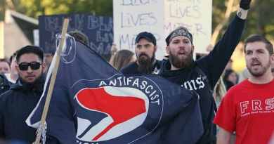 SIGNS: Civil War in Portland – Bear spray, bloody brawls at Patriot Prayer March