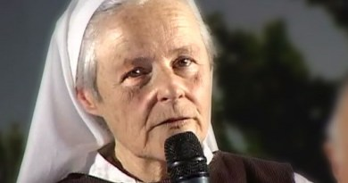 "Medjugorje and the Illumination of Conscience. Sister Emmanuel: ""After the dark, we will see our souls then the Victory of the Immaculate Heart will come"" Beautiful interview"
