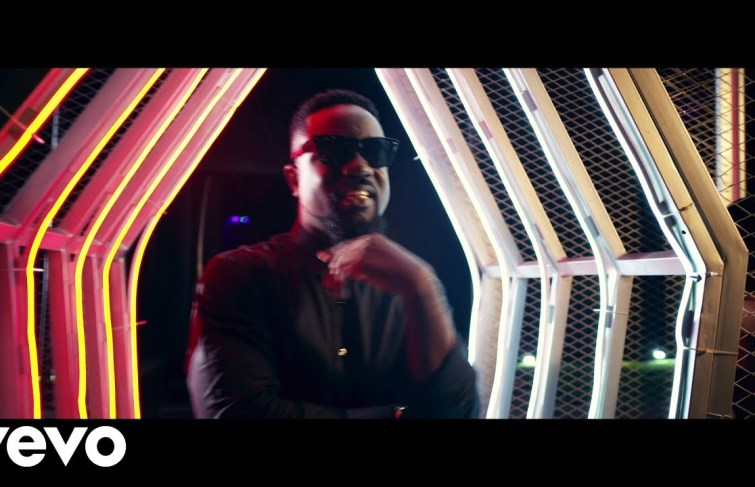 Larry Gaaga Drops 'Wonderful' Video featuring Wande Coal & Sarkodie