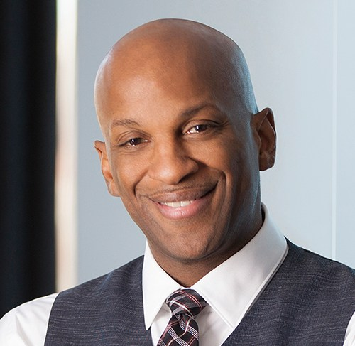 Donnie McClurkin Hospitalized Following Car Accident