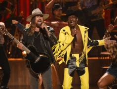 Lil Nas X & Billy Ray Cyrus 'Old Town Road' Performance At BET Awards Was Lit