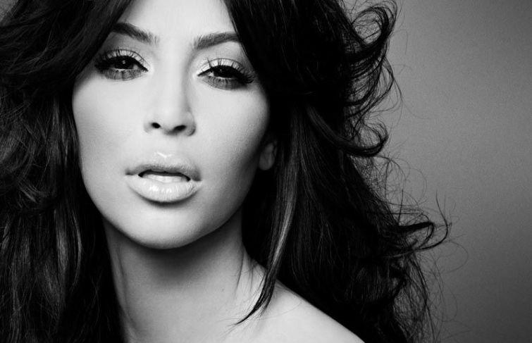 """Kim Kardashian """"Kimono"""" Shapewear Brand Name Scrapped"""