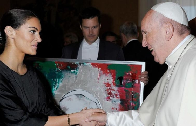 Drake's Baby Mama Up Close With Pope Francis