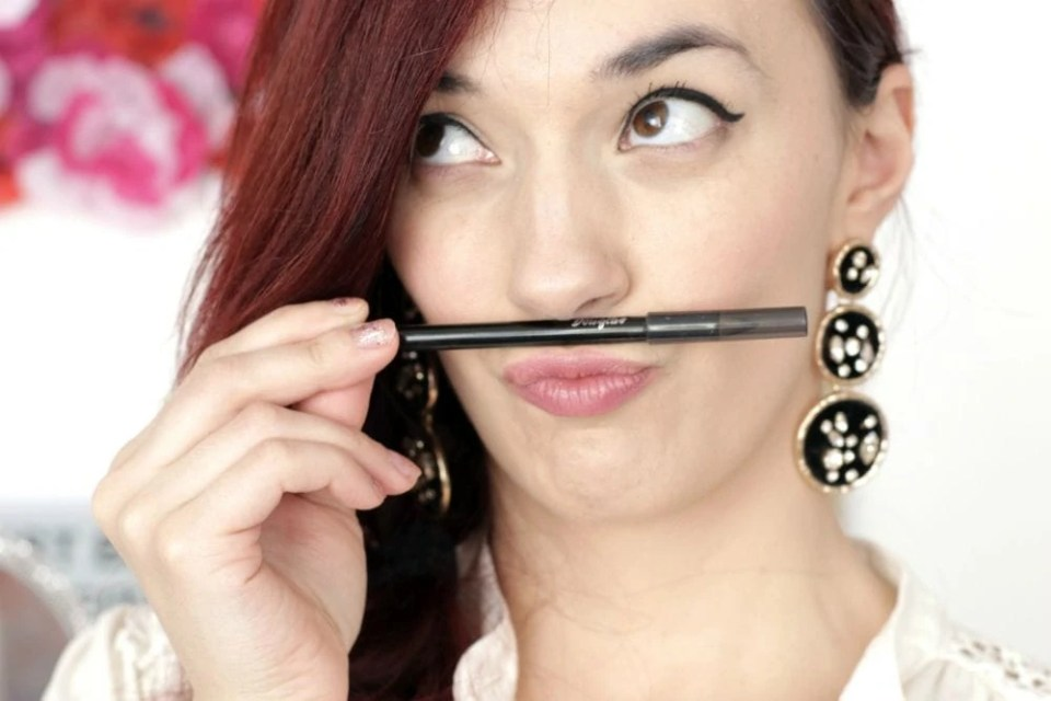 5 Makeup Bag Must-Haves for Beginners