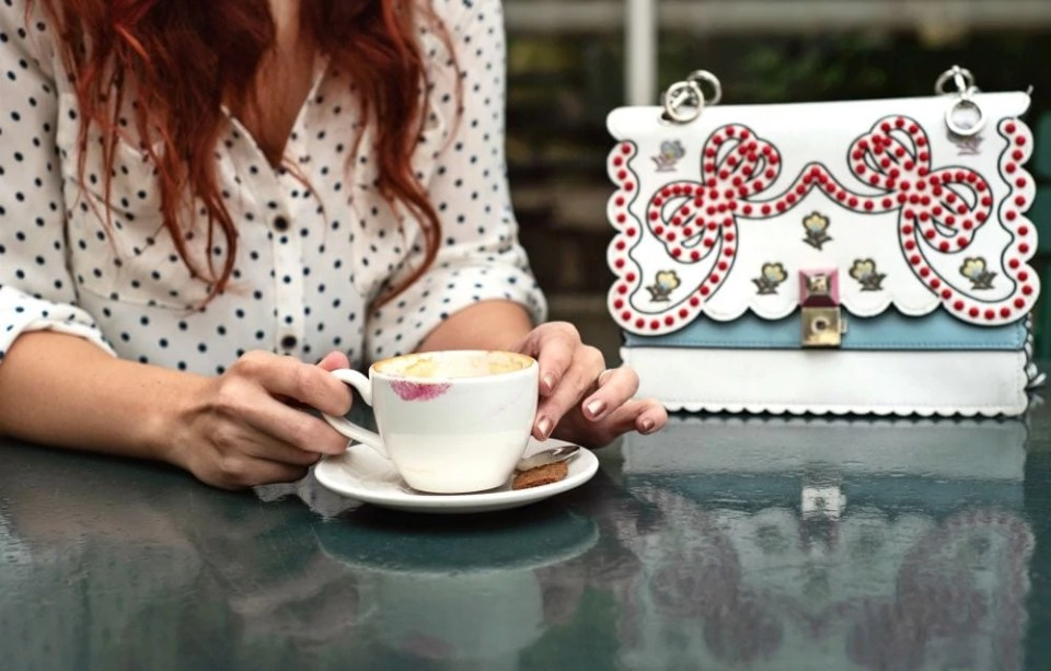 how to mix prints blouse and bag