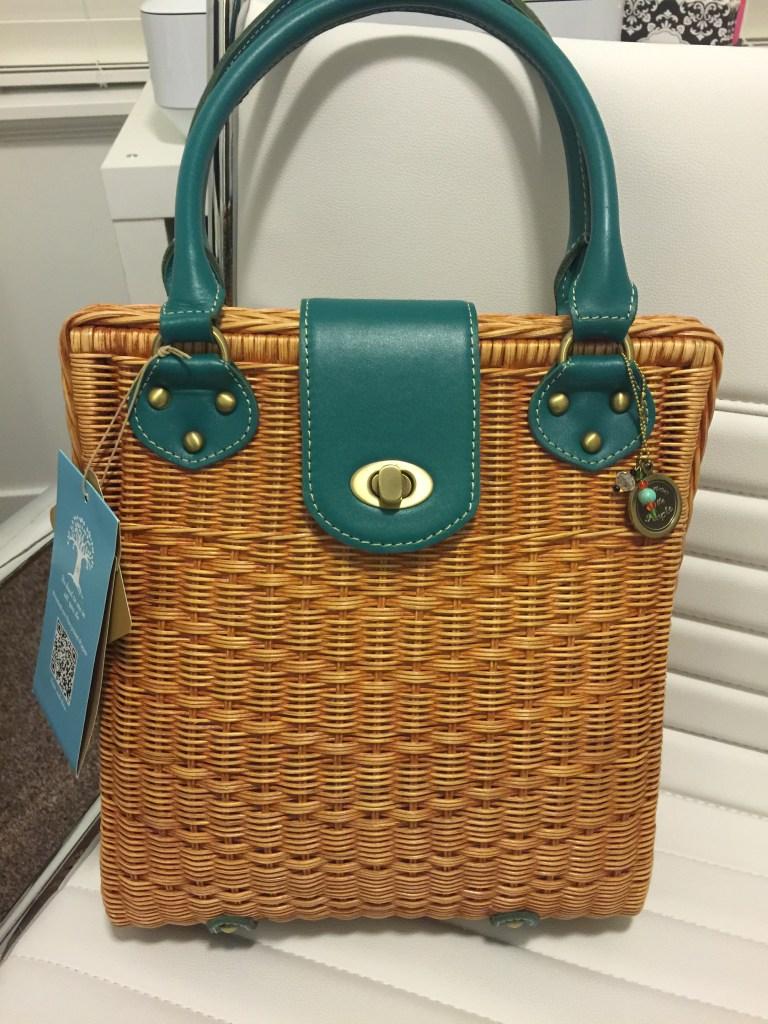 purse for the people handbag