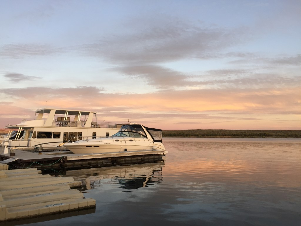 Photography: Beautiful lake scenery