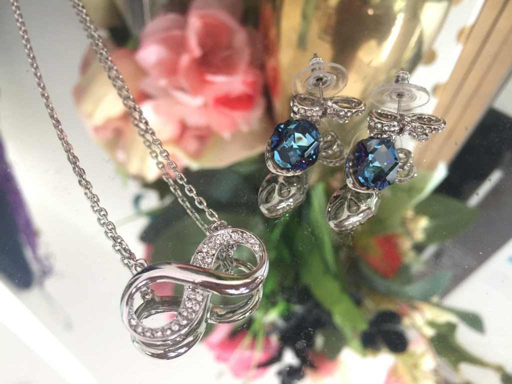 GIVEAWAY: Win a Necklace & Earring Set + Over 50+ Other Prizes
