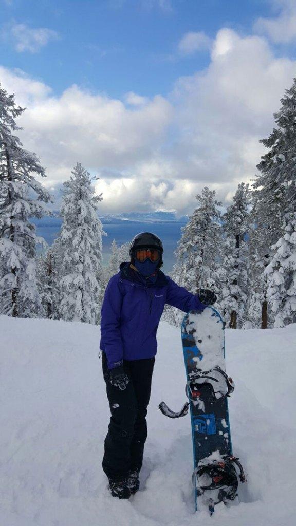 LakeTahoe-Snow-Bliss-Snowboard-Trip-Travel-SnowDay-SnowboardAttire
