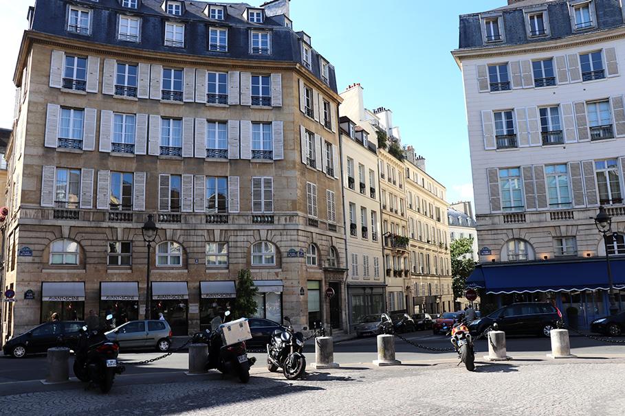 karla vargas-mystylosophy-50slook-paris-parisstyle-parisstreets-chanel-chanelshoes-parisianstyle