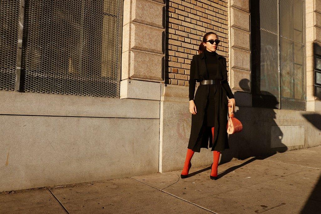 colorfultights-orangetights-karlavargas-califroniablogger-personalstyle-personalblog-littleblackdress-howtowear