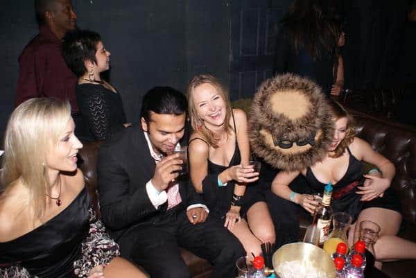 mystery pua, club, girls having fun, alcohol