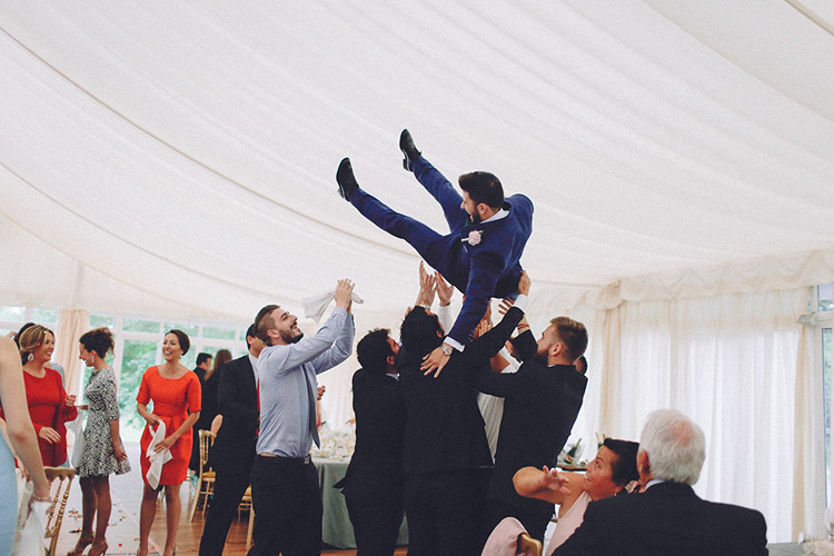 Groom party and groom joy. Gorgeous wedding in Spain | More on: http://mysweetengagement.com/gorgeous-wedding-in-spain - Photo: David Fernández