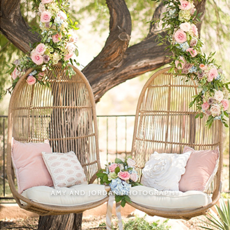 Gallery with an incredible selection of wedding decoration ideas for every wedding style. // My Sweet Engagement // http://mysweetengagement.com/galleries/wedding-decor