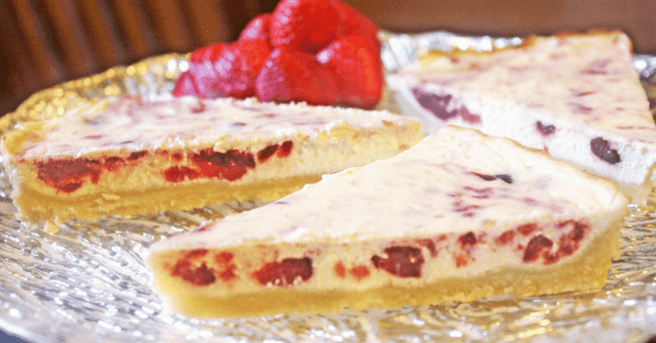 This Strawberry and Cream Tart is both gluten and sugar free. It is perfect for Trim Healthy Mama and Low Carb Diets.