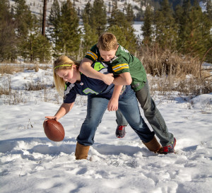 Seattle vs Packers ~ Twins divided Colby & Madison Tareski